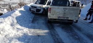 Siirt'te kar yağışı trafik kazalarını artırdı