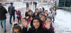 TEGV'li öğrencilerden hastane ziyareti