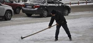 Merzifon'da karla mücadele çalışması