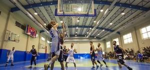 Yaşar Üniversitesi şampiyonluğa koşuyor