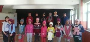 630 çocuğa eldiven bere ve atkı dağıtıldı