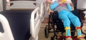 Engelli çocuğa hasta yatağı hediye edildi