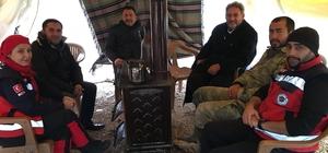 Başkan Yardımcısı Cuma Özdemir, sıhhi tahliye noktasında görev yapan personeli ziyaret etti