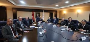 Mersin'deki TOKİ projeleri masaya yatırıldı
