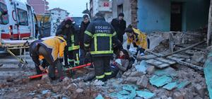 Üzerine duvar yıkılan lise öğrencisi yaralandı