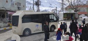 Görevlendirme yapılan belediyeden engellilere rampalı minibüs