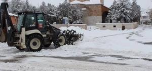 Han Belediyesi'nden kar temizleme çalışmaları