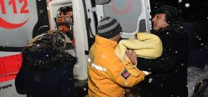 Kar engeline takılan hastalara belediye ekipleri yetişti