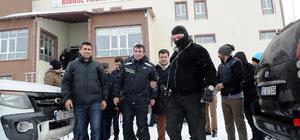 AK Parti Genel Başkan Yardımcısı Yılmaz, kayak yaptı