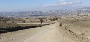 Selendi'de mahalle yollarına bakım