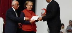 Kızılay, öğrenci ve bağışçıları ödüllendirdi