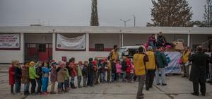 """""""Yunus Emre felsefesi"""" Suriyeli çocuklara ulaştı"""