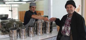 Beypazarı Belediyesinden sıcak yemek servisi