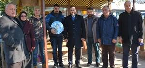 Başkan Erener, esnaflara saat hediye etti