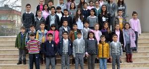 Çekmeköy'de öğrenci ve öğretmenlerden Halep'e yardım