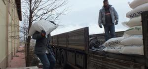 Sivas'tan Haleplilere 4 tır yardım malzemesi