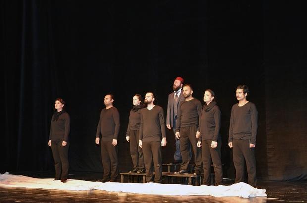 """Mehmet Akif Ersoy, """"Vatan için korkma'' tiyatro oyunuyla anıldı"""