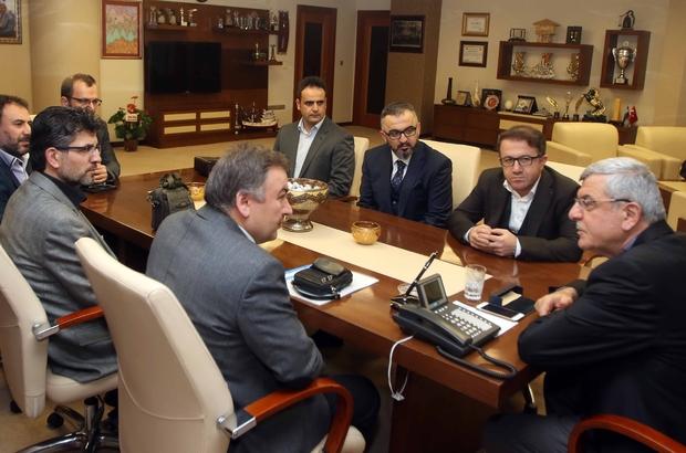Başkan Karaosmanoğlu, İzmit Necip Fazıl Kısakürek İmam Hatip Anadolu Lisesi yönetimini ağırladı