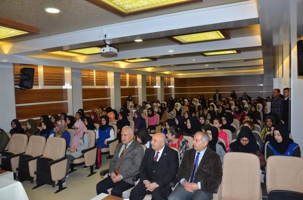 Prof. Dr. Gönüllü imam hatip öğrencileriyle bir araya geldi