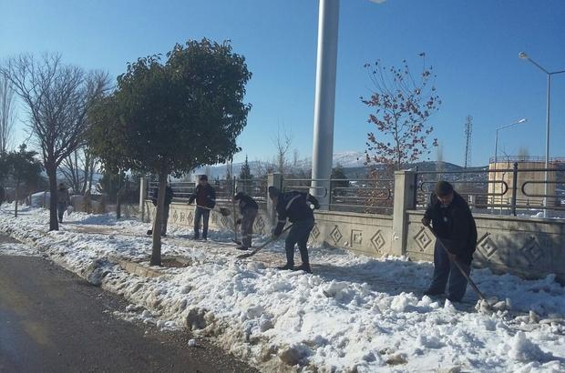 Antalya Büyükşehir'den karla mücadele