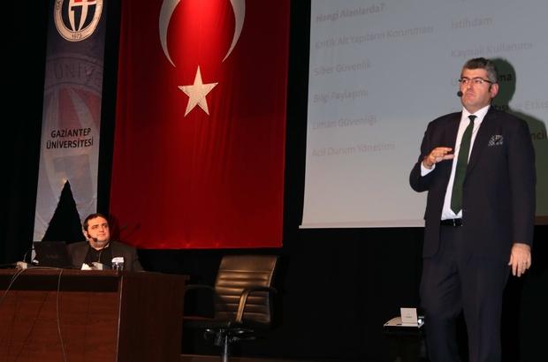 """GAÜN'de """"Anayurt ve Siber Güvenlik Hukuku"""" konferansı"""