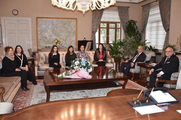 Öğrenciler Vali Güvençer'le röportaj yaptı