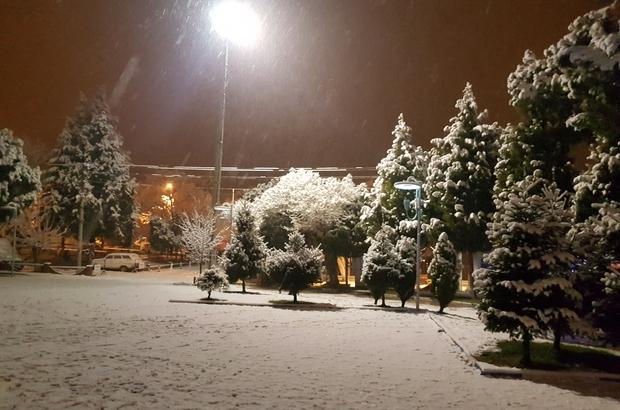 Gördes'te yoğun  kar yağışı başladı