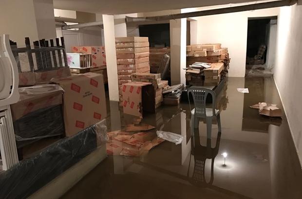 Nazilli'de depoları su bastı