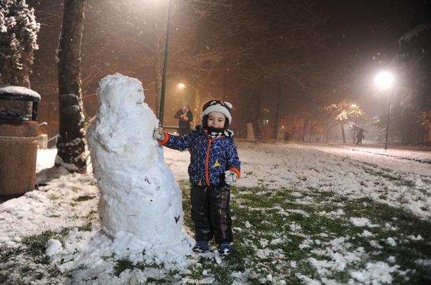Bursa'da 3 ilçede kar nedeniyle okullara tatil verildi