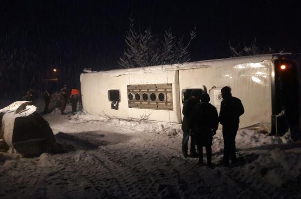 GÜNCELLEME - Sinop'ta yolcu otobüsü uçuruma yuvarlandı