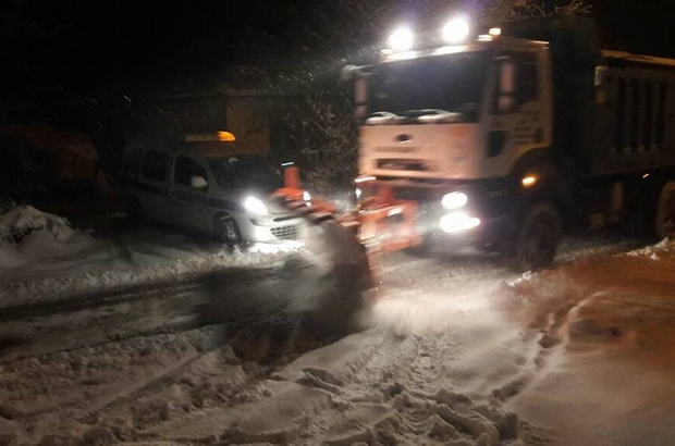 Salihli Belediyesi kar mesaisi yaptı