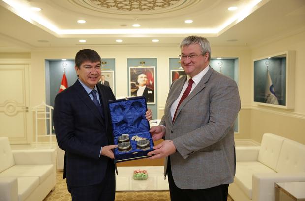 Ukrayna Büyükelçisi Sybiha'dan Başkan Türel'e ziyaret