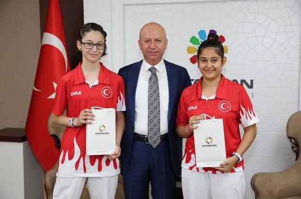 Kocasinan'ın Bayan Masa Tenisi Takımı Tüm Maçlarını Kazanarak Şampiyon Oldu
