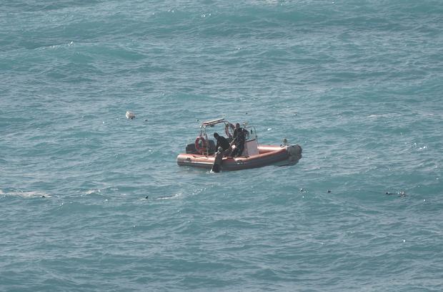 Denizde boğulma tehlikesi geçiren kişiyi polis kurtardı