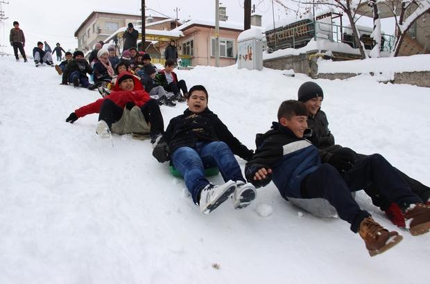 Kütahya'da çocukların kayak keyfi