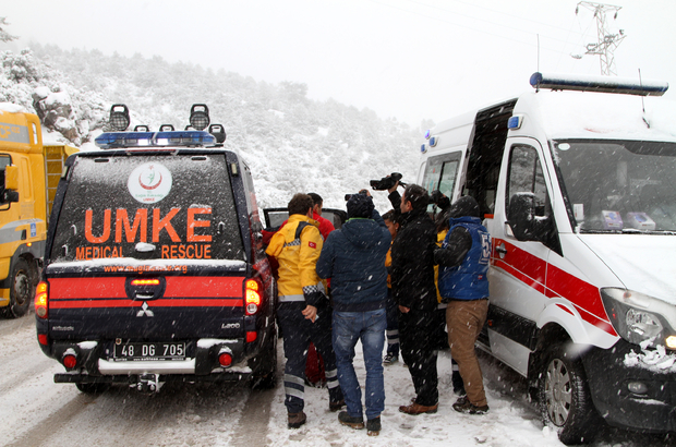 Muğla'da karda mahsur hastayı UMKE kurtardı