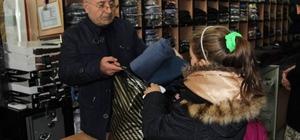 Cihanbeyli Gençlik Meclisinden çocuklara kışlık kıyafet yardımı