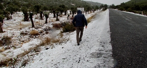 İzmir'in o turistik ilçesine de kar yağdı