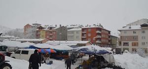 Söğüt'teki pazarcıların kış çilesi