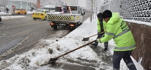 Başkent'te karla mücadeleye devam