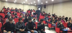 Cizre'de öğrencilere motivasyon semineri