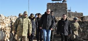 Vali Deniz'den nöbet tutan askerlere ziyaret