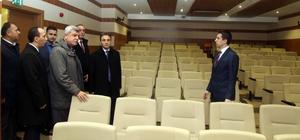 Başkan Karaosmanoğlu, eğitim kurumunu ziyaret etti