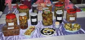 Buharkent'te ev tipi zeytin yapma ve tatlandırma sergisi