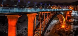 İki mahalle köprü ile birleşti