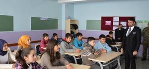 Başkan Yüzügüllü'den Dümrek İlkokulu'na ziyaret
