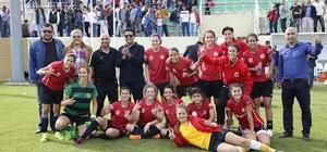 Döşemealtı Kadın Futbol Takımı Trabzon yolcusu