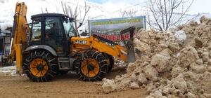 Sarıveliler belediyesinin karla mücadelesi devam ediyor