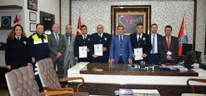 Antalya'da 3 polis memuru 'Ayın Polisi' seçildi