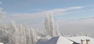 Başkale'de Soğuk Havanın oluşturduğu kar manzarası